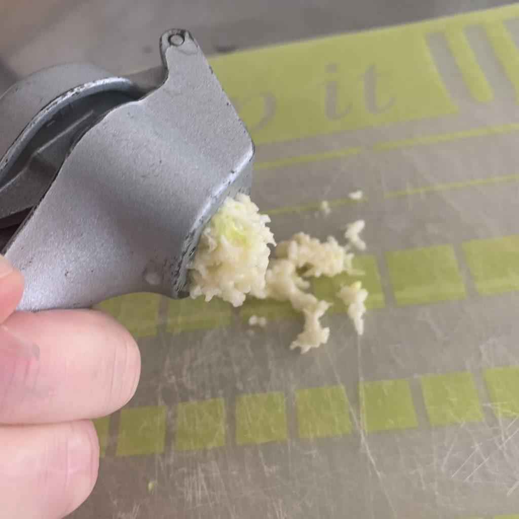 garlic for stir fry dish